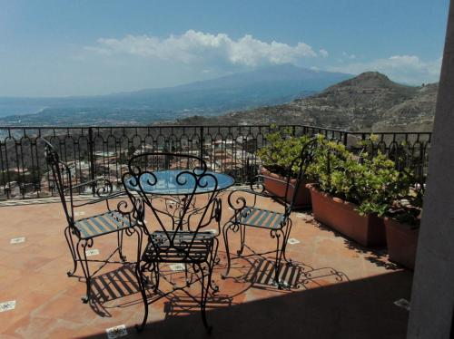 A balcony or terrace at Villa Sara