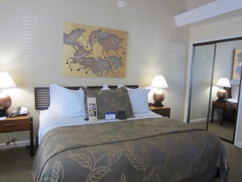 Ein Bett oder Betten in einem Zimmer der Unterkunft Best Western PLUS Island Palms Hotel & Marina