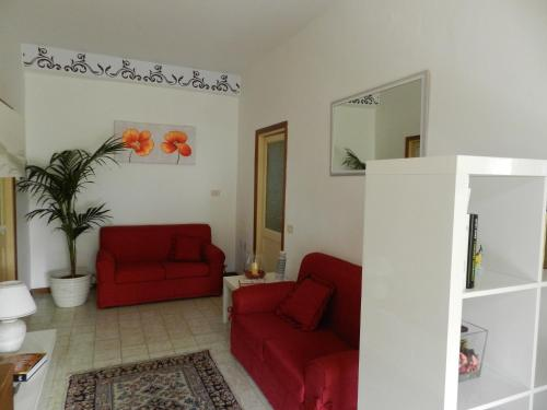 A seating area at Appartamento S. Valentino