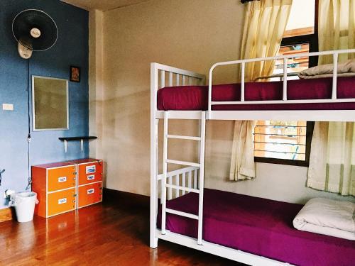 Litera o literas de una habitación en Baan Mai Sak