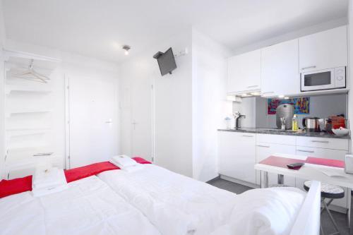 Küche/Küchenzeile in der Unterkunft HITrental Station Apartments