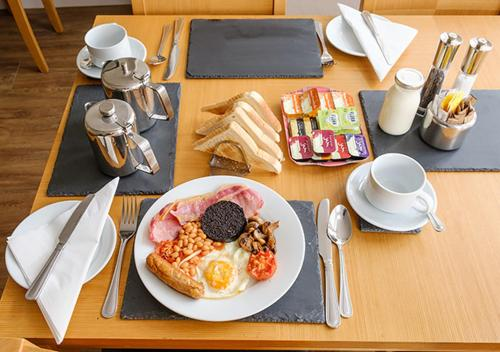 Breakfast options available to guests at Eastdene Guest House