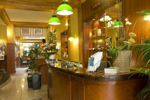 The lobby or reception area at Hotel Terminus Lyon