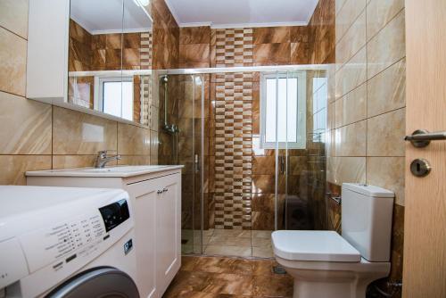 A bathroom at Villa Broumas Kefalonia