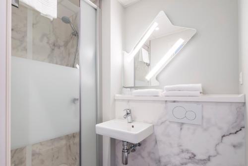 Een badkamer bij ibis budget Gent Centrum Dampoort