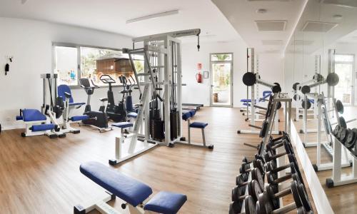 Het fitnesscentrum en/of fitnessfaciliteiten van Hotel Club Cala Marsal
