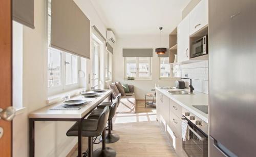 A kitchen or kitchenette at Athens Goddess