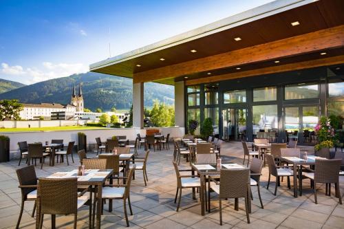 Ein Restaurant oder anderes Speiselokal in der Unterkunft Hotel Spirodom