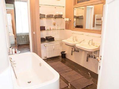 Ein Badezimmer in der Unterkunft Logies Windsor