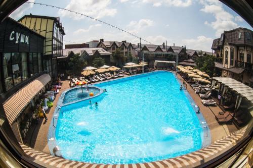 Вид на бассейн в Hotel Temernitskiy или окрестностях