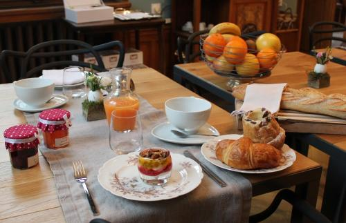Options de petit-déjeuner proposées aux clients de l'établissement Villa Élyane