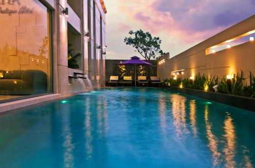 The swimming pool at or near Hadana Boutique Hotel Danang