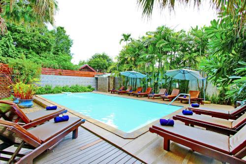 Piscine de l'établissement Shewe Wana Suite Resort ou située à proximité