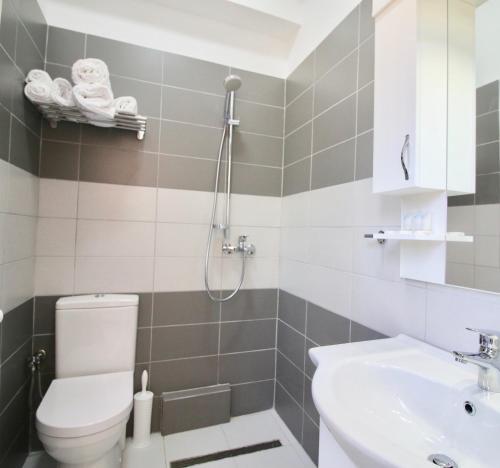 Un baño de Hotel Orestiada