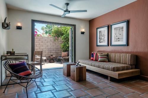 A seating area at Santiago Resort - Palm Springs Premier Gay Men's Resort