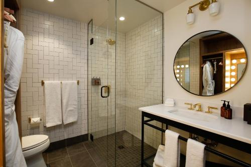 A bathroom at The Ramble Hotel