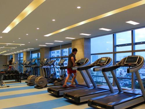 The fitness center and/or fitness facilities at Pullman Saigon Centre