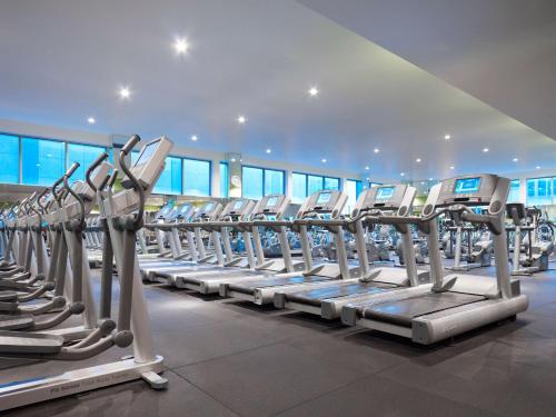 The fitness centre and/or fitness facilities at Grand Hyatt Melbourne