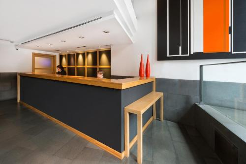 The lobby or reception area at Hotel Jazz