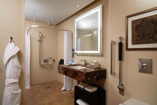 A bathroom at Conrad London St James