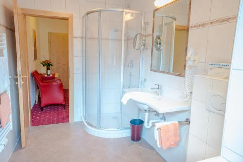 Ein Badezimmer in der Unterkunft Superior Hotel Persal