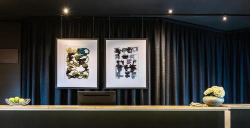 El vestíbulo o zona de recepción de AMERON Luzern Hotel Flora