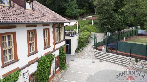 Вид на бассейн в Hotel Santander или окрестностях