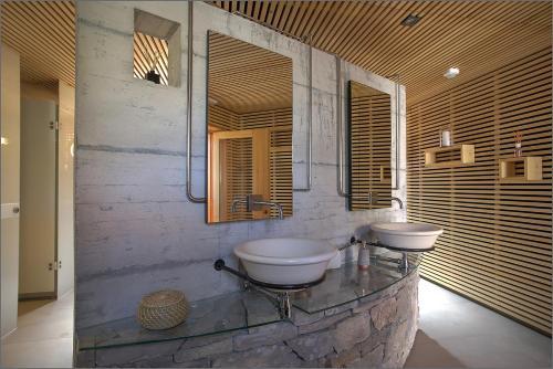 A bathroom at Glamping resort Fešta Kornati