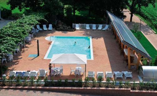 A view of the pool at Villa Flora or nearby