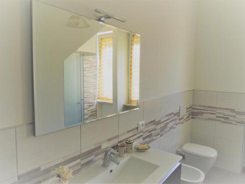 A bathroom at BNB Airone