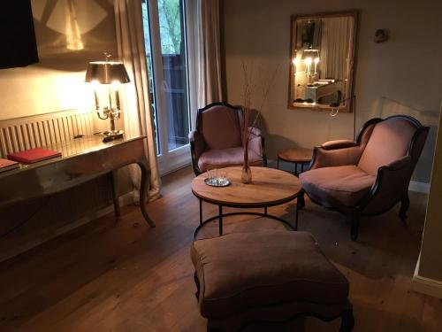 A seating area at Strandhotel Margaretha