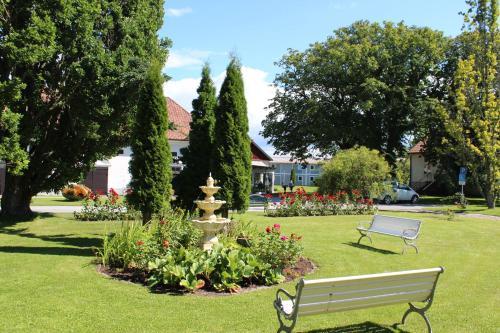 En trädgård utanför Suderbys Herrgård