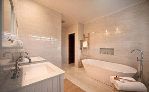 A bathroom at Bathers across the bay from Port Douglas