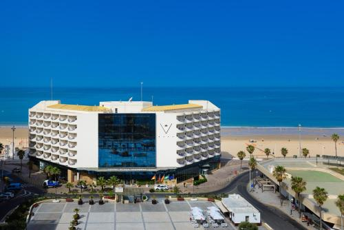 A bird's-eye view of Hotel Playa Victoria