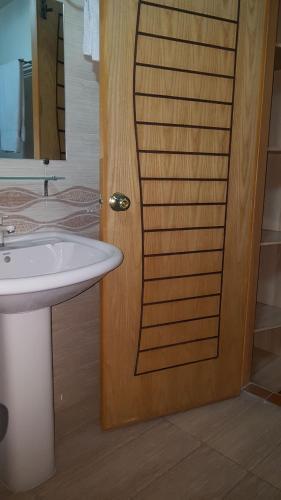 A bathroom at Hotel Civic - Gujranwala