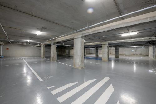 Piscine de l'établissement B&B Hôtel Bordeaux Centre Gare Saint-Jean ou située à proximité