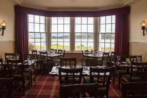 A restaurant or other place to eat at Kings Arms Hotel - A Bespoke Hotel