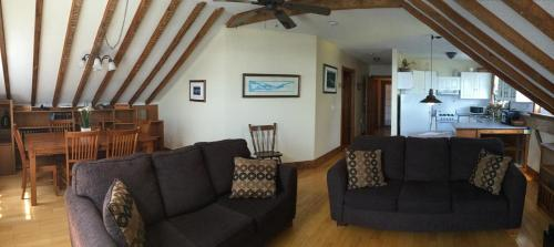 A seating area at Boathouse Country Inn