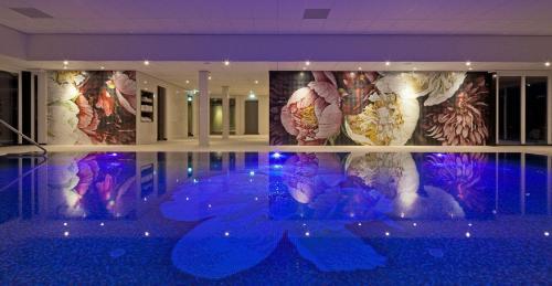 Het zwembad bij of vlak bij Hotel van der Valk Spier Dwingeloo