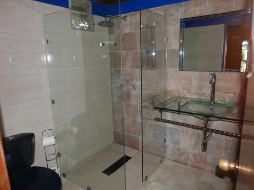 Ein Badezimmer in der Unterkunft Pension Topas