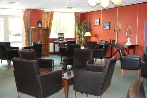 Ein Restaurant oder anderes Speiselokal in der Unterkunft Fletcher Duinhotel Hotel Burgh Haamstede