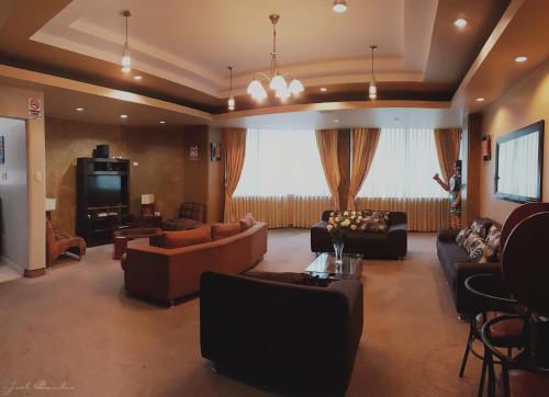 The lounge or bar area at Hotel La Joya