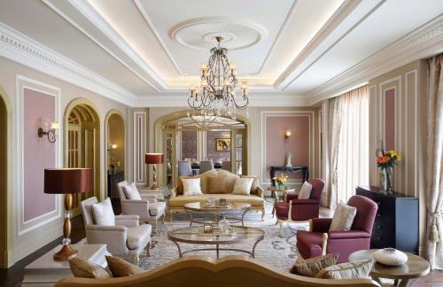 Ресторан / где поесть в Habtoor Palace Dubai, LXR Hotels & Resorts