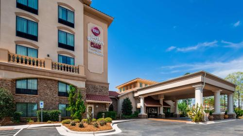 Best Western PLUS Westgate Inn and Suites