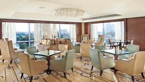 A restaurant or other place to eat at Fairmont Makati - Multiple Use Hotel