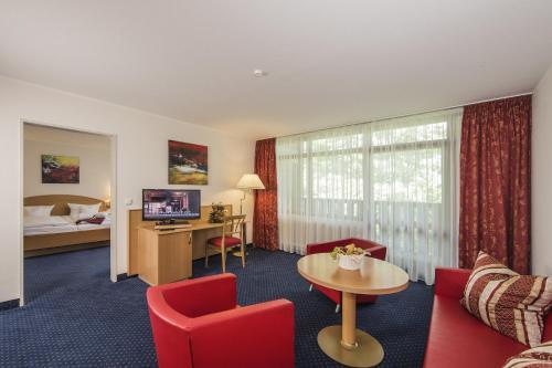 A seating area at Johannesbad Hotel Königshof