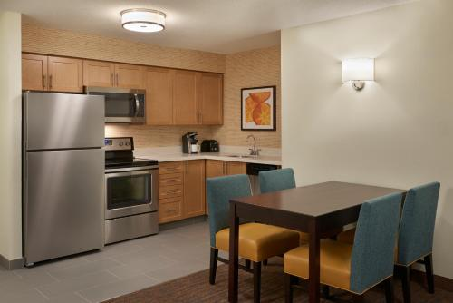 A kitchen or kitchenette at Residence Inn by Marriott Toronto Airport