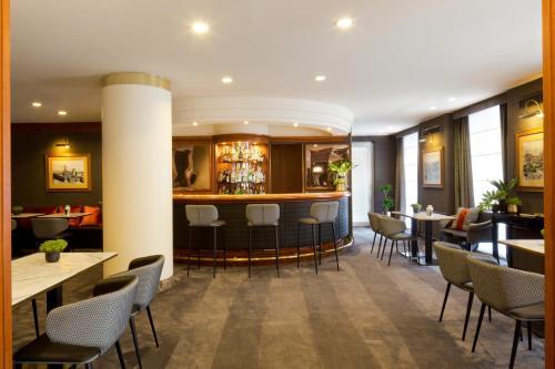 O lounge ou bar de Starhotels Tourist
