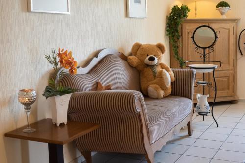 A seating area at Hotel Garni Zum Grünen Baum