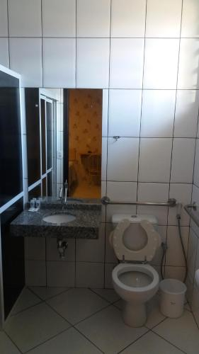 A bathroom at Hotel Da Vila